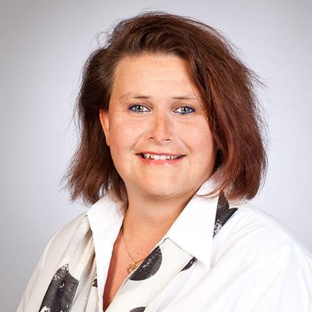 Yvonne Engel