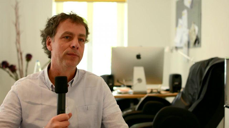 Andreas  Ulmke-Smeaton