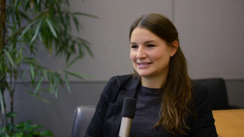 Julia Knauseder